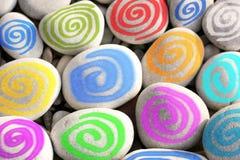 Bunte Spiralen als moderne Wand-Dekoration lizenzfreies stockfoto
