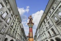 Bunte Statue in der alten Straße von Bern, die Schweiz Stockbild