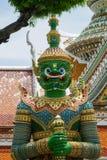 Bunte Statue in Wat Arun Temple Lizenzfreies Stockfoto