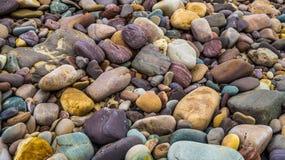Bunte Steine im Strand Lizenzfreies Stockfoto
