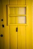 Bunte Türen in Portugal Stockfotos
