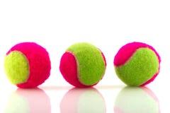 Bunte Tenniskugeln Stockbild