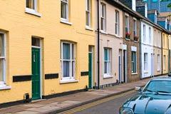 Bunte terassenförmig angelegte Häuser Lizenzfreies Stockbild