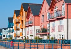Bunte Ufergegend-Häuser Lizenzfreies Stockbild