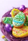 Bunte verzierte Ostern-Plätzchen stockbild