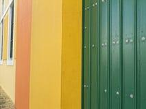 Bunte Wände und Türen in altem San Juan Stockbild