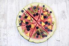 Bunte Wassermelonenpizza der tropischen Frucht Lizenzfreie Stockfotografie