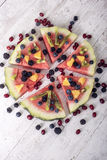 Bunte Wassermelonenpizza der tropischen Frucht Lizenzfreies Stockfoto