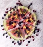 Bunte Wassermelonenpizza der tropischen Frucht Stockfoto
