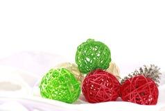Bunte Weihnachtsbälle Stockbilder