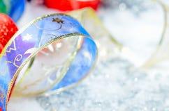 Bunte Weihnachtsdekorationen Stockfotografie