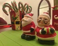 Bunte Weihnachtsdekorationen Stockfoto