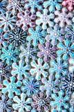 Bunte Weihnachtsmischung von Honey Cookies, Schneeflocken formte Lizenzfreie Stockbilder