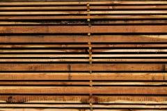 Bunten av det olika formatet klippte wood plankor för konstruktion Royaltyfria Foton