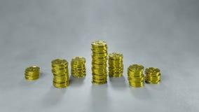 Bunten av guld- mynt 3D framför stock illustrationer