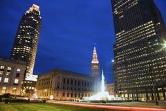 Bunter Abend in im Stadtzentrum gelegenem Cleveland Stockfotos