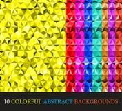 Bunter abstrakter geometrischer Hintergrund mit dreieckigen Polygonen Lizenzfreie Stockfotos