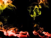 Bunter abstrakter Rauch auf schwarzem Hintergrund Stock Abbildung