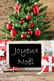 Bunter Baum mit Text Joyeux Noel Means Merry Christmas stockbilder