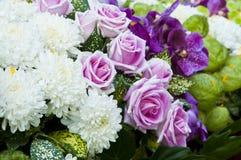 Bunter Blumenblumenstrauß. lizenzfreies stockbild