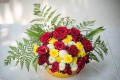 Bunter Blumenblumenstrauß Stockbilder