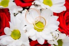 Bunter Blumenhochzeitsblumenstrauß für Braut lizenzfreies stockfoto
