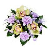 Blumenstrauß der Rosen, der Gartennelken und der Orchideen lokalisiert Lizenzfreie Stockfotografie