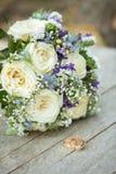 Bunter Brautblumenstrauß Lizenzfreie Stockbilder