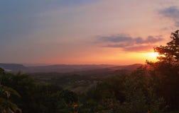 Bunter Dorf-Sonnenuntergang Stockfotografie