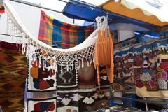 Bunter eingeborener Markt von Otavalo Stockfoto