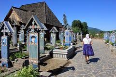 Bunter fröhlicher Kirchhof in Sapanta, Rumänien Stockfotografie