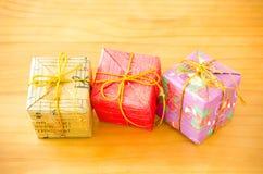 Bunter Geschenk-Kasten Stockbilder
