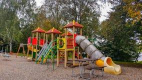 Bunter Park der Kinderspielplatz-Tätigkeiten öffentlich Lizenzfreies Stockbild