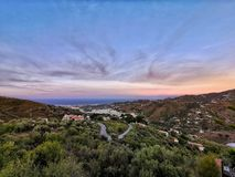 Bunter Sonnenaufgang über dem Mittelmeer lizenzfreies stockfoto