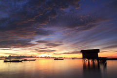 Bunter Sonnenaufgang lizenzfreie stockbilder
