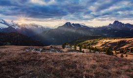 Bunter Sonnenaufgang Selva di Cadore Dolomitregion von Italien Lizenzfreie Stockfotografie