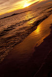 Bunter Sonnenuntergang über Meer-Pataya-Strand Thailand Stockbild