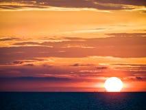Bunter Sonnenuntergang Stockfoto