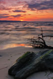 Bunter Sonnenuntergang auf dem Meer Stockbild
