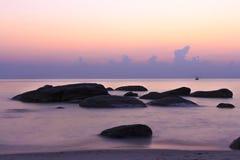 Bunter Sonnenuntergangozean Lizenzfreie Stockfotos