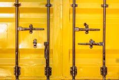 Bunter Stapel Containerverschiffung Stockbilder
