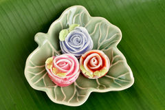Bunter thailändischer Nachtisch rosafarbenes Aalaw (thailändischer Name) Stockfoto