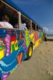 Bunter Touristenbus Stockfotografie