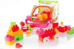 Bunter Toy Blocks Isolated auf Weiß Stockfotografie