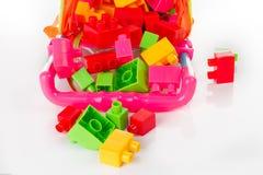 Bunter Toy Blocks Isolated auf Weiß Stockfoto