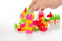 Bunter Toy Blocks Isolated auf Weiß Stockfotos