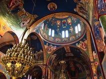 Bunter verzierter Innenraum der griechisch-orthodoxen Kirche, Griechenland stockbild