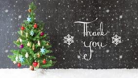 Bunter Weihnachtsbaum, Schnee, Kalligraphie danken Ihnen, Schneeflocken Stockfotografie