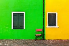 Buntes Äußeres des Hauses in Burano Stockfotos