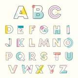 Buntes Alphabet Memphis Style mit geometrischem schlagkräftigem Pastellcol. Stockfotos
